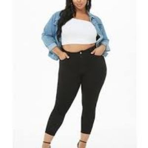 Forever21 plus black high rise jeans, size 16